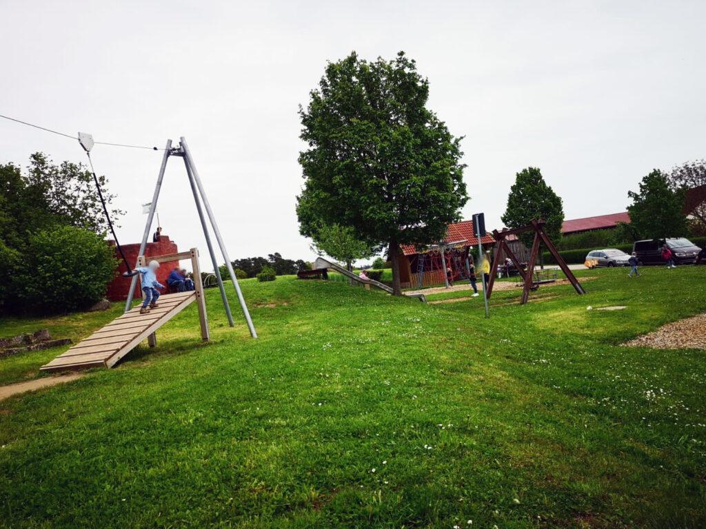 Überblick Seeungeheuerspielplatz in Spalt