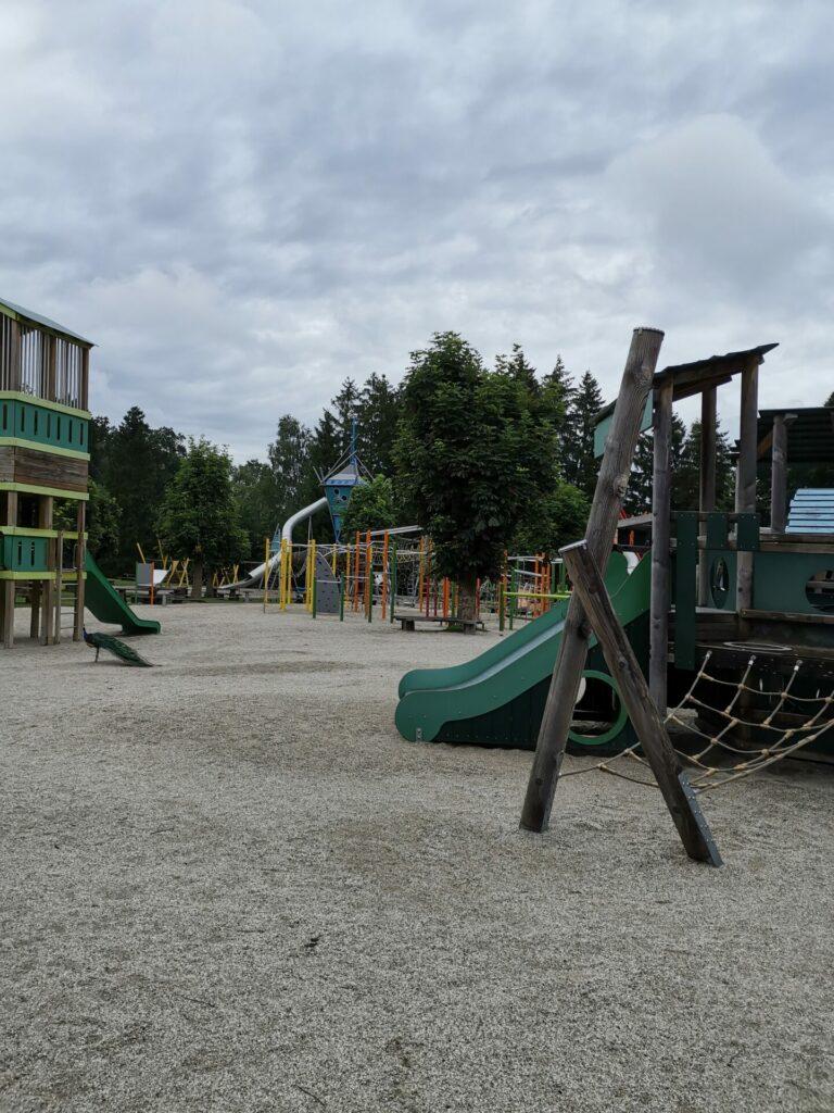 Abenteuerspielplatz für kleine Kinder im Wildpark Poing