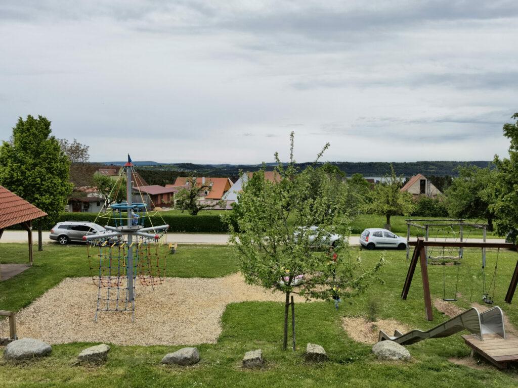 Bild vom Turm - Seeungeheuerspielplatz in Spalt