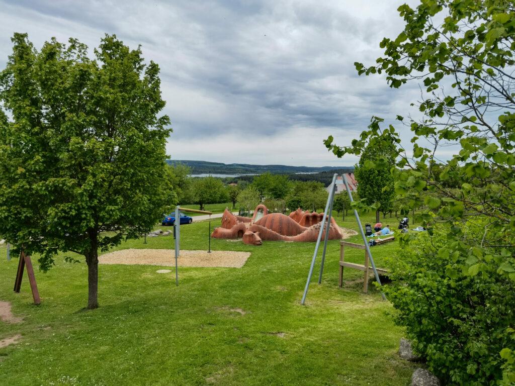 Seeungeheuer auf dem Seeungeheuerspielplatz in Spalt (2)